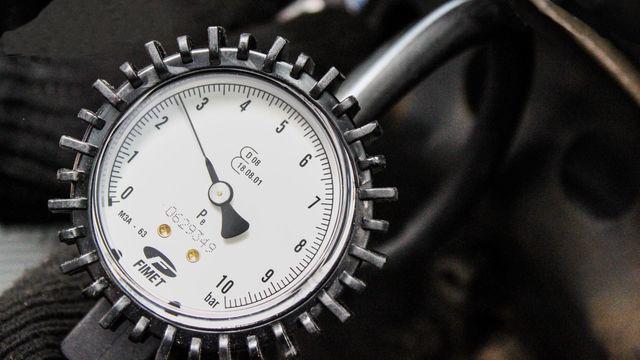 Comment faire la pression des pneus ?