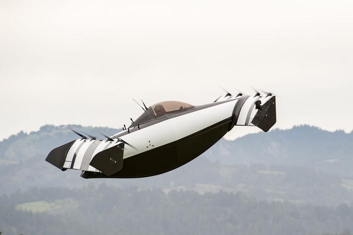 Insolite: la première voiture volante est en marche!